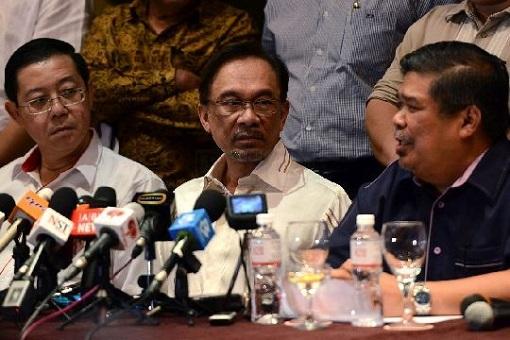 Lim Guan Eng with Anwar Ibrahim and Mat Sabu