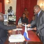 Ecobank fait un don de 225.000.000 de Leone pour lutter contre Ebola