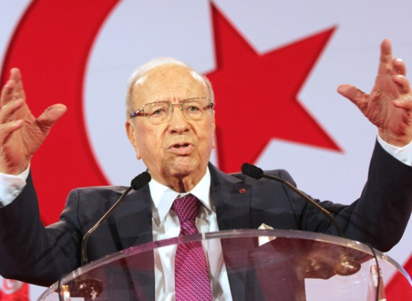 Former Tunisian prime minister Beji Caid el Sebsi delivers a speech outlining his credentials and announcing his candidature to run in the Tunisian presidential elections in the capital, Tunis, on September 12, 2014. The Tunisian presidential elections are to be held on November 23. AFP PHOTO / SALAH HABIBI