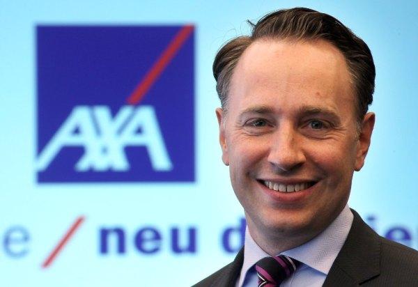 Der Vorstandsvorsitzende des Axa-Versicherungskonzerns, Thomas Buberl, kommt am Montag (04.06.2012) in Köln zur Bilanzpressekonferenz. Der Versicherungskonzerns Axa hat seine Bilanzzahlen für das Jahr 2011 vorgelegt. Foto: Oliver Berg dpa/lnw  +++(c) dpa - Bildfunk+++