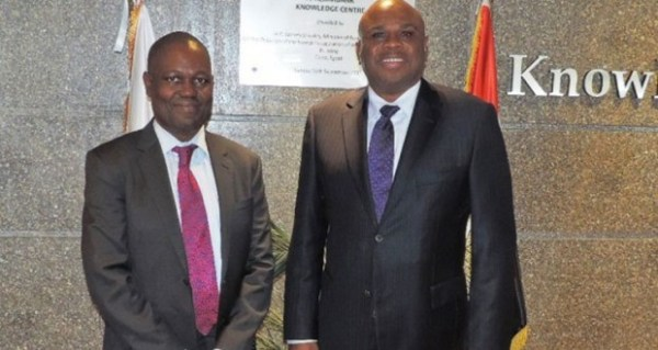 Dr. Benedict Oramah, Président d'Afreximbank (droite) avec Ade Ayeyemi, Directeur Général du Groupe Ecobank
