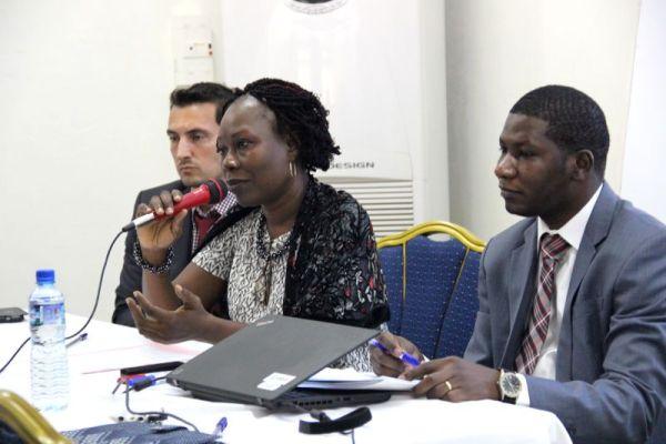 Pour Mme Sylvie Benissan-Messan (au micro), l'AGOA Togo 2017 devra permettre aux exportateurs de s'unir pour que les exportations décollent