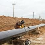 """Pétrole: """"guerre"""" des oléoducs entre le Kenya et l'Ouganda"""