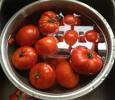 Making tomato sauce with a pressure canner