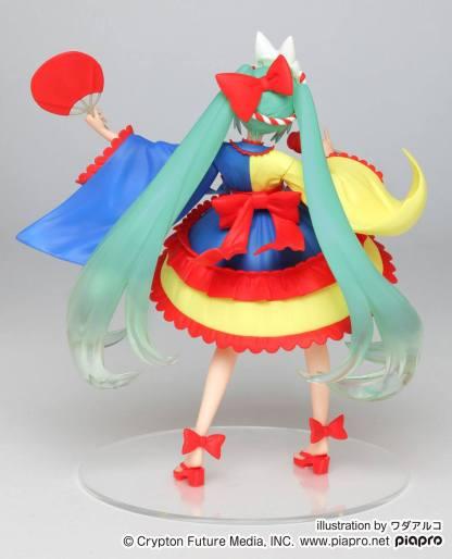 Hatsune Miku 2nd Season Summer ver figuuri