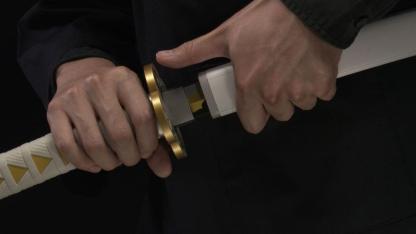 Kimetsu no Yaiba: Demon Slayer – Nichirin Sword Proplica Replica Zenitsun miekka