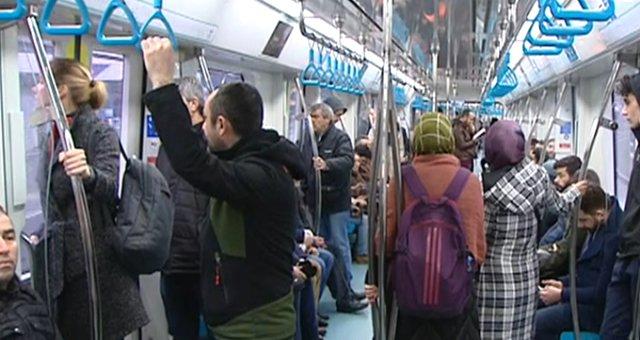 Gebze-Halkalı Banliyö Tren Hattı İlk Gününde Vatandaşlardan Yoğun İlgi Gördü