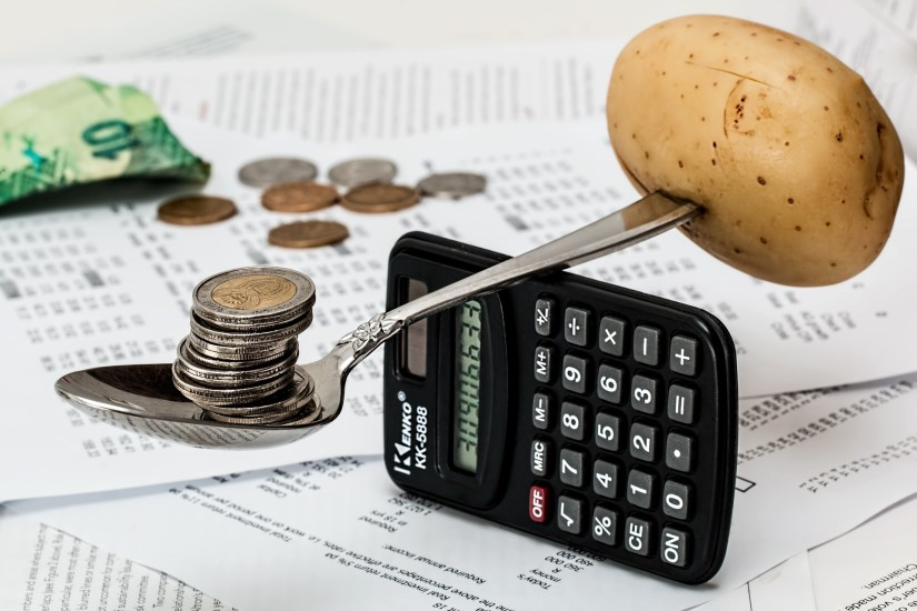 Coins_Münzen_Finanzmix_Standbeine_mehrere_mix_mischung_gute