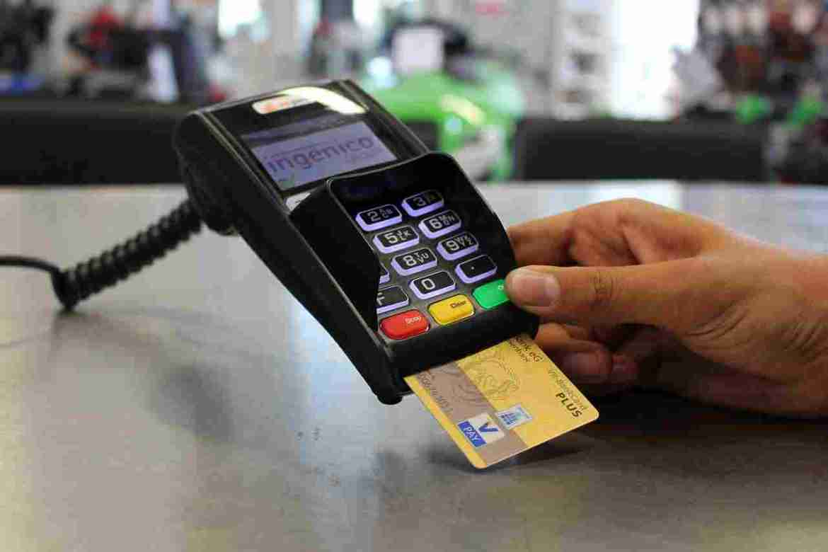 How to protect credit cards during online transactions