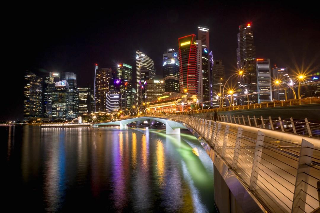 Esplande Bridge in Singapore