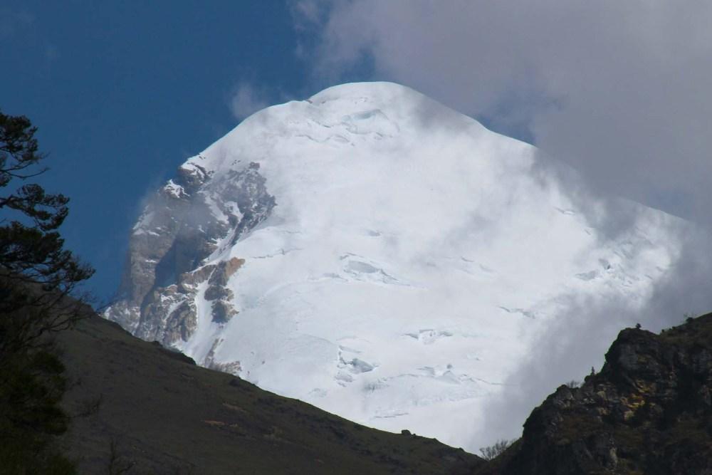 Mountain Jumolhari