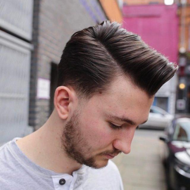 Erkekler için Konik Saç Modelleri ile Combover