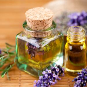 difference between essential and fragrance oils