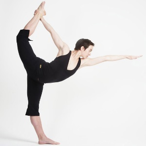 bikram yoga and weight loss  top 5 bikram yoga poses for