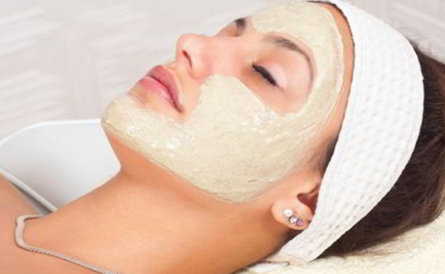 Egg White And Fuller's Earth Face Mask