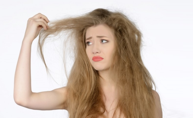 Nourishes Frizzy Hair