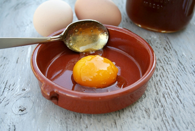 Egg Honey Mask For Skin Tightening