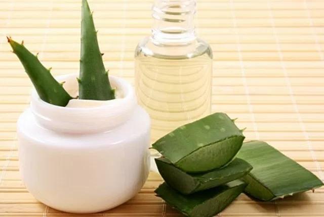 Glycerin And Aloe-Vera Gel Face Mask