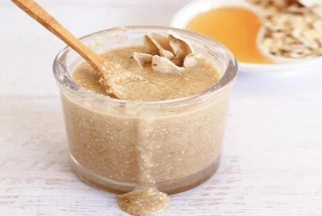 Oatmeal, Apple Cider Vinegar, Honey And Almond Scrub