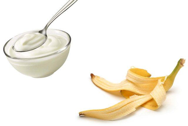 Banana Peel And Yoghurt Pack