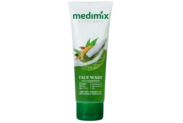 Essential Herbs Ayurvedic Face Wash By Medimix