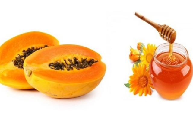 Homemade Lotion Using Fresh Papaya And Honey