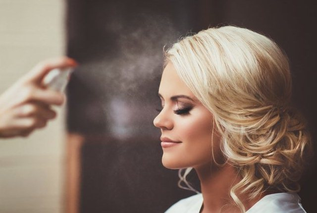 Dry Brush The Face And Use Makeup Setting Spray
