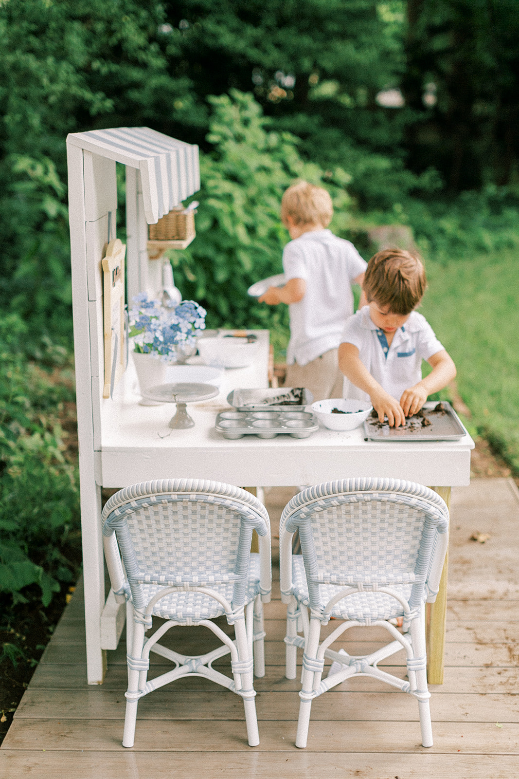 https www findinglovely com serena and lilys outdoor kids riviera chairs