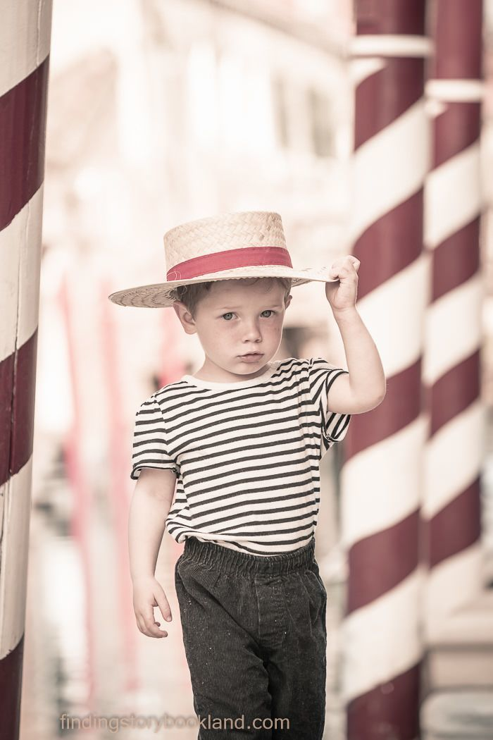 Gondolier in Venice Themed Children's Photo Shoot