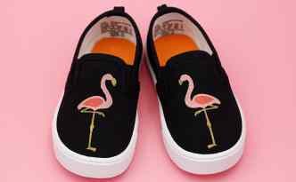 Stenciled Flamingo Shoes - Silhouette tutorial
