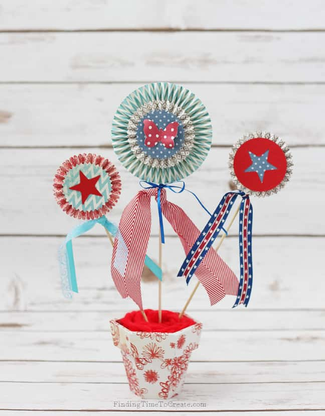 Patriotic Rosette Display_Finding Time To Create