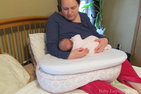 born free bliss feeding pillow review