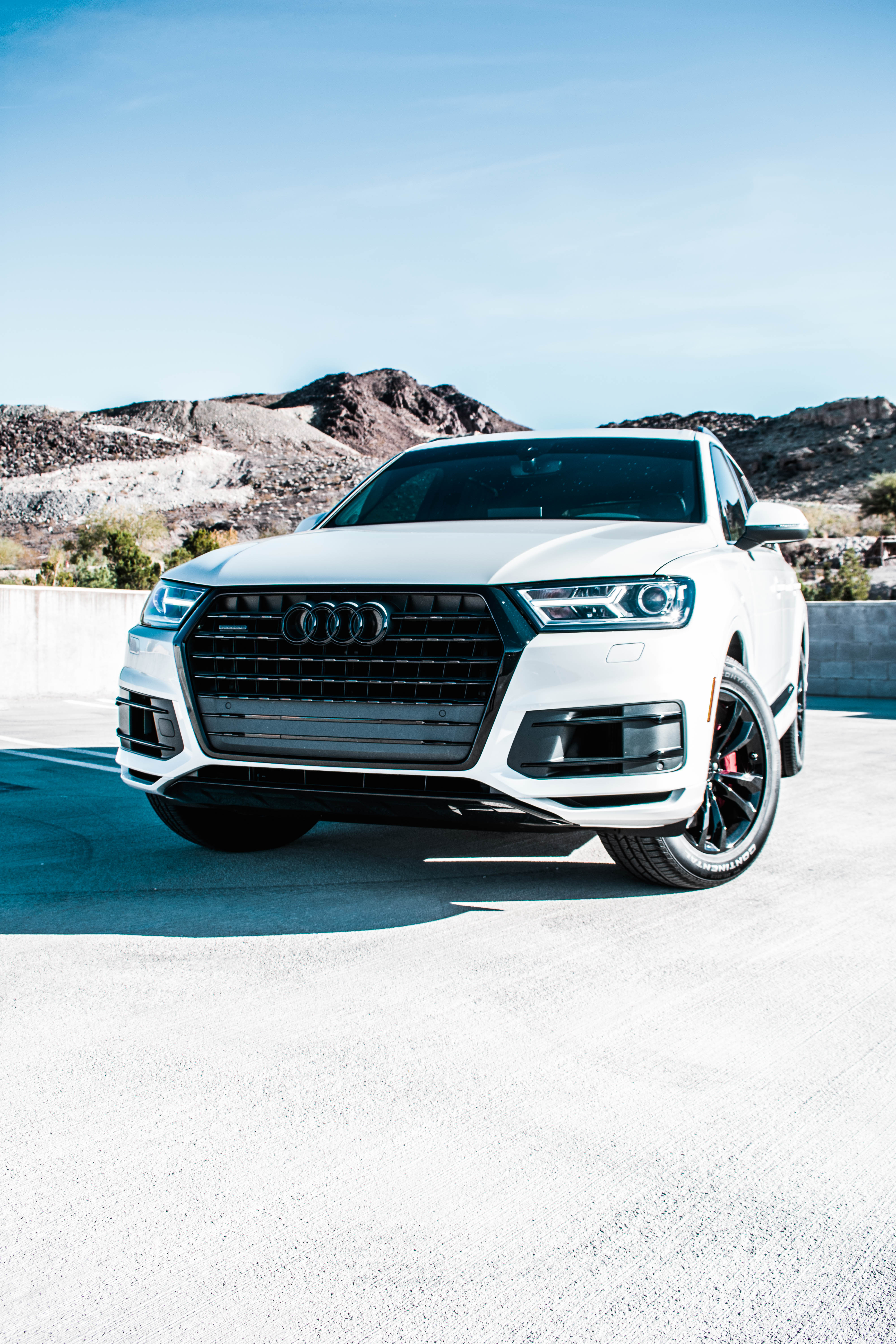 Blacked out Q7 - Findlay Customs