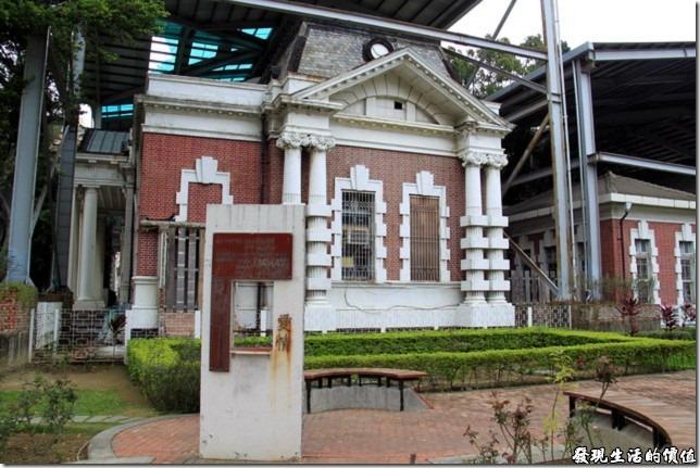 《臺南旅遊》曾經見證愛情的舊臺南地方法院的巴洛克式建築 | 工作熊的玩樂生活誌