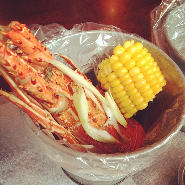 Steamed Lobster in Seafood in a bucket
