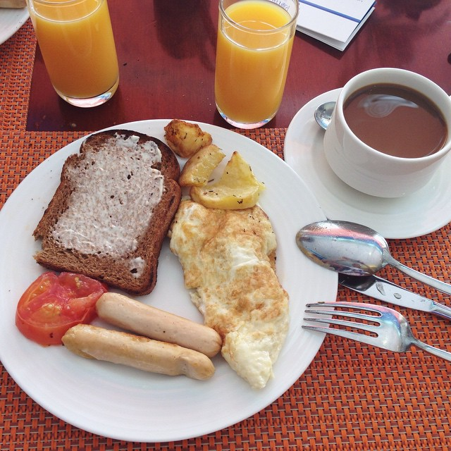 breakfast buffet rotana uae