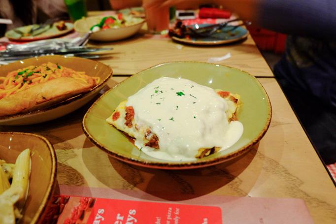Lasagna at Itzza Pizza