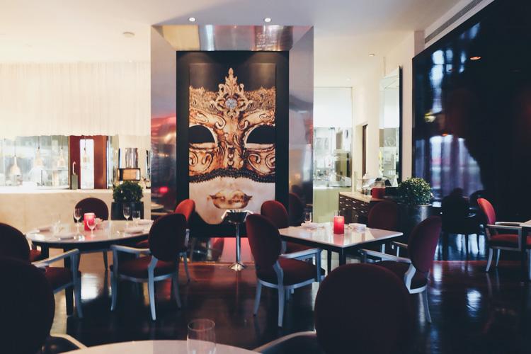 Dining-Abu-Dhabi-Hotels