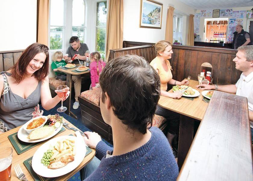 ilfracombe-holiday-park-restaurant