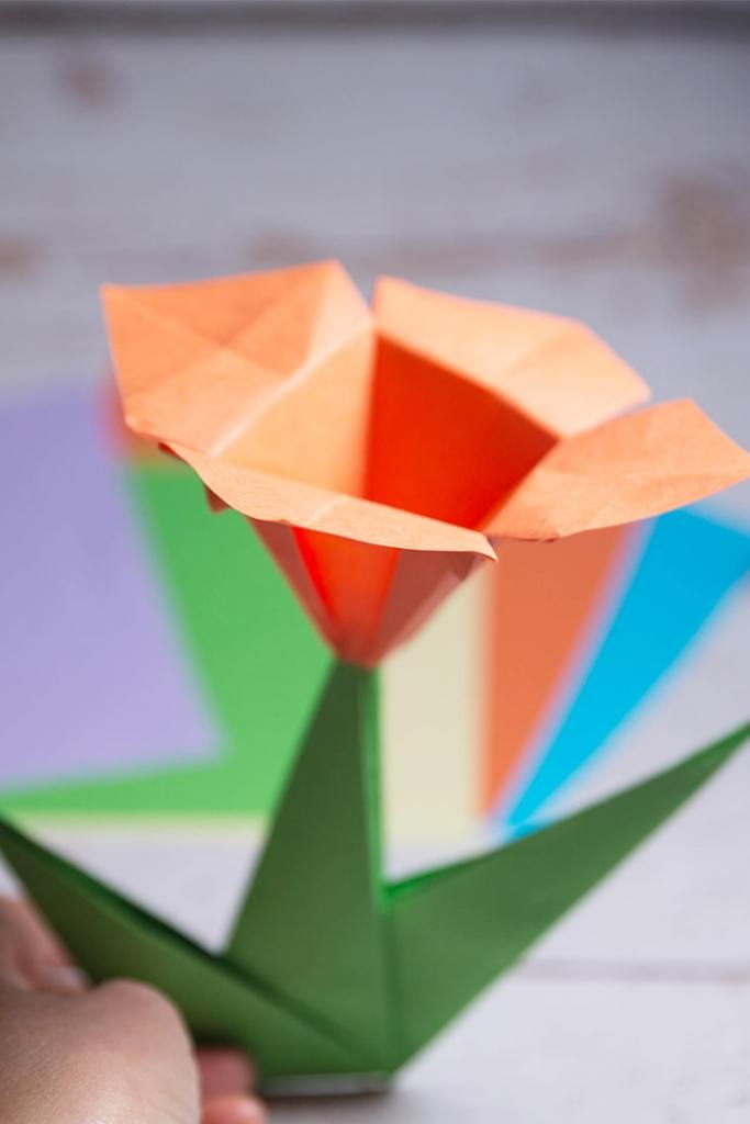how to fold origami lily stem