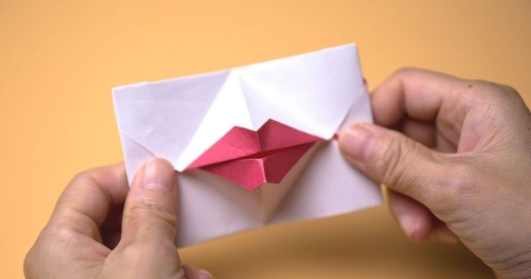 how to make Origami Kissing Lips