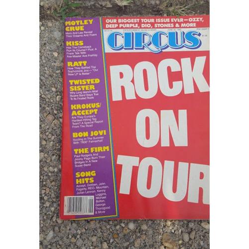 CIRCUS MUSIC MAGAZINE Lot 6. Roses, Halen, Crue, ..MORE tour