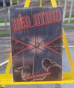 RED ATOM - JOSEPHSON, PAUL R. Josephson 9780822958819