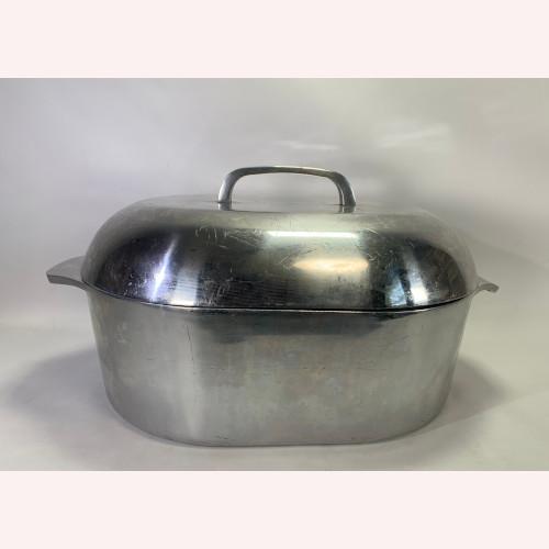 Villa Ware Classic Cookware Hand Cast Italian 12 Qt Roaster VillaWare Dutch Oven