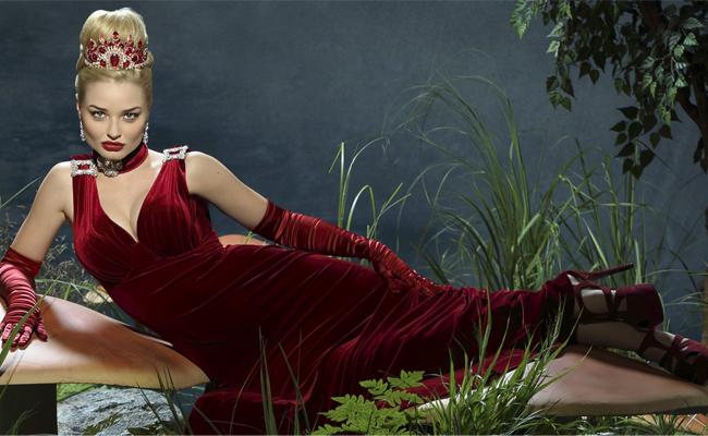 red queen OUAT in wonderland