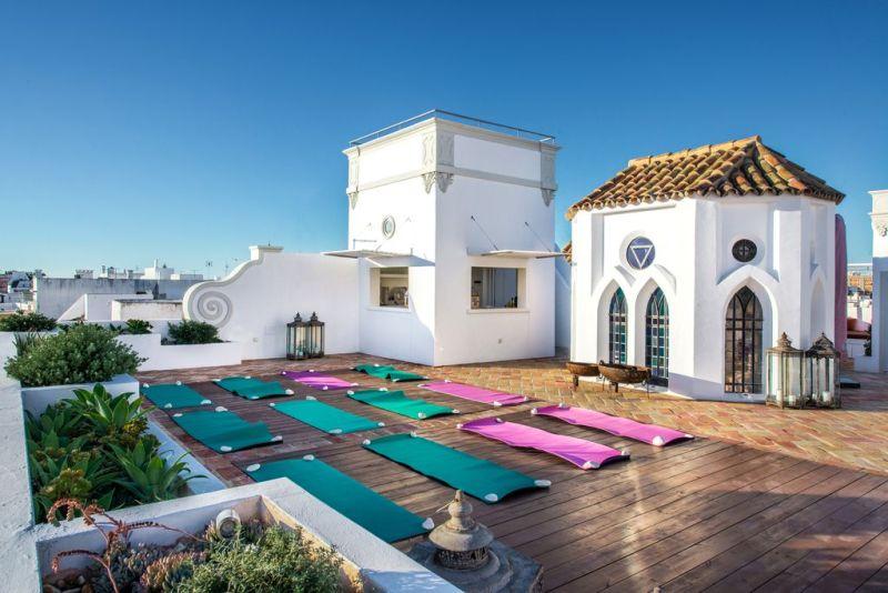 Destination Retreats - Secret Yoga Club Portugal Retreat
