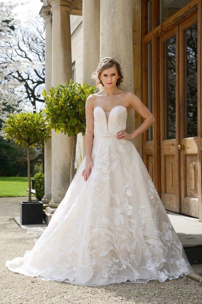 Beautiful Catherine Parry wedding dresses that aren\'t white - Find ...