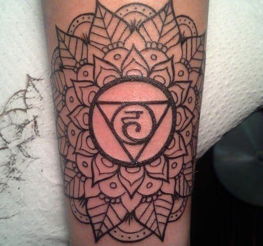 cropped-Sacred-Geometry-Mandala-Morgan-Gatekeeper-apprentice-Tariq-Sabur-Tempe-Arizona-Fine-Art-For-Bodies-radial-20121226_192013.jpg