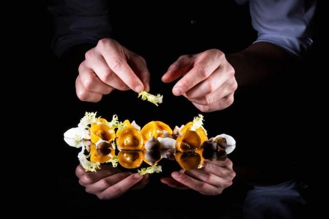 Raviolo di coda, castagne del prete, spuma di polenta bianca (AUTUMN PAS...