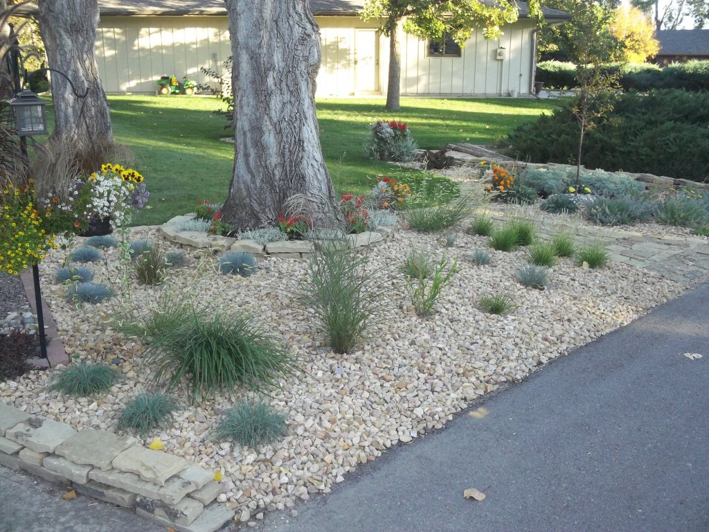 David's front-yard rock garden in Colorado (Day 1 of 2 in ... on Rocks In Backyard  id=90064